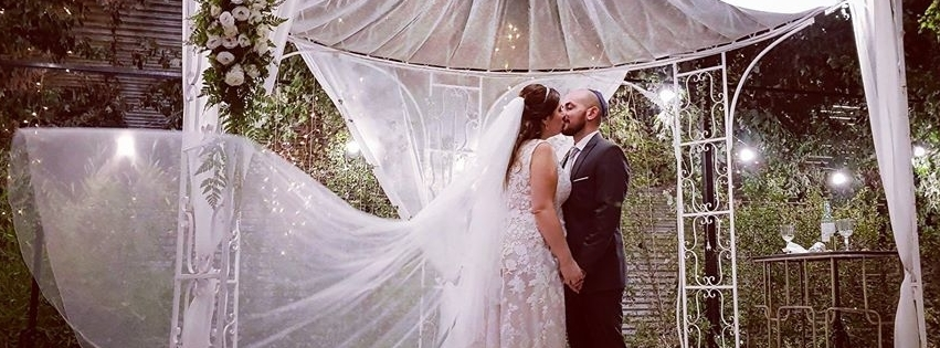 WedReviews - אטרקציות לחתונה, גימיקים לחתונה - מגנטיב | מגנטים לאירועים